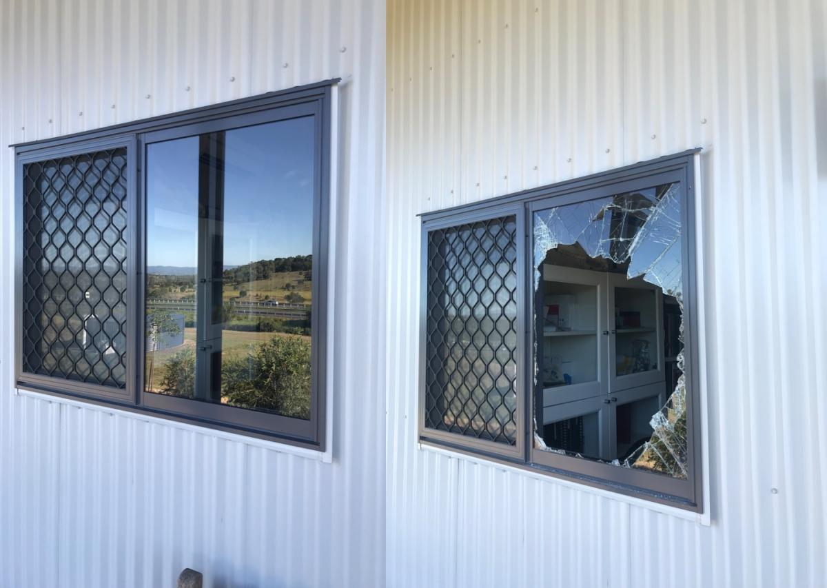 smashed glass repair ipswich & Brisbane